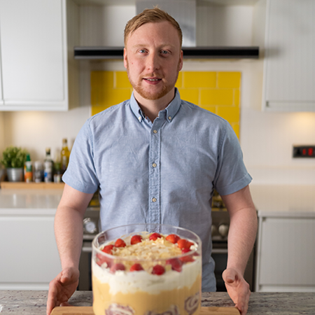 Jamie's showstopper summer trifle